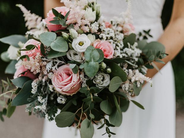 Фото №1 - Свадебный букет: история, традиции и приметы
