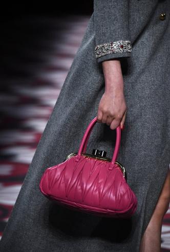 Фото №22 - Самые модные сумки осени и зимы 2020/21