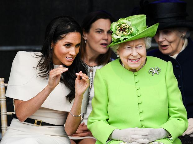 Фото №2 - Герцогиня Коварство: почему Меган решила провести лето с Королевой (на самом деле)