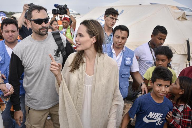 Фото №6 - Почему Анджелина Джоли — снова икона стиля, или Что такое luxe purism