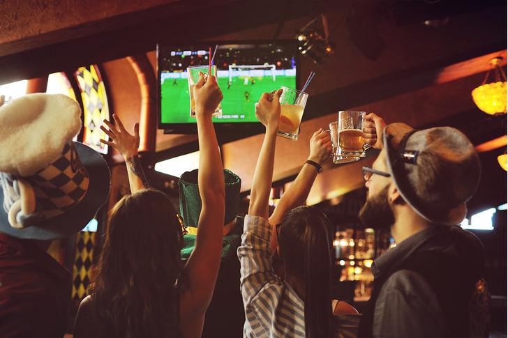 Фото №4 - 10 правил мужского поведения в баре