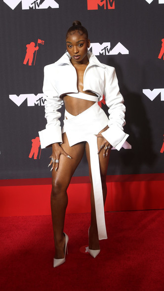 Фото №20 - Премия MTV VMA 2021: лучшие, худшие и самые яркие образы церемонии