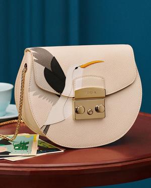 Фото №3 - Флирт по-итальянски: как носить сумки из новой коллекции Furla