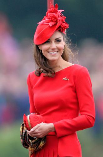 Фото №21 - Королевский дресс-код: любимые сумки герцогини Кембриджской