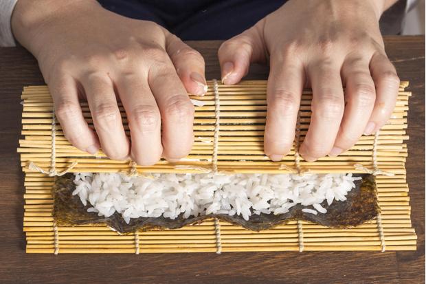 Фото №2 - Можно ли есть суши и роллы на диете?