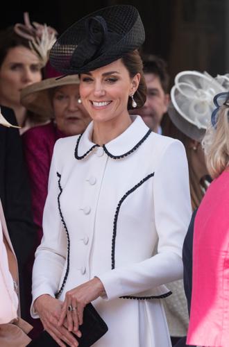 Фото №4 - Герцогиня Кейт повторила образ Дианы на церемонии Ордена Подвязки
