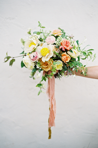 Фото №10 - Свадебный сезон 2017: модные палитры и детали, которые сделают свадьбу по-настоящему стильной