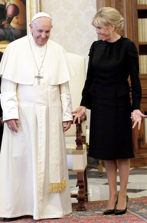 Фото №15 - Этикет первых леди: что можно (и нельзя) супругам президентов
