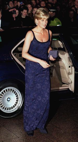 Фото №15 - Как принцесса Диана одевалась в 90-е годы