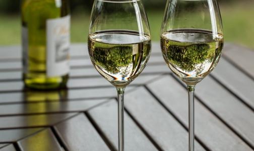 Фото №1 - Эксперты рассказали, сколько петербуржцев умерли в 2019 году из-за отравлений алкоголем