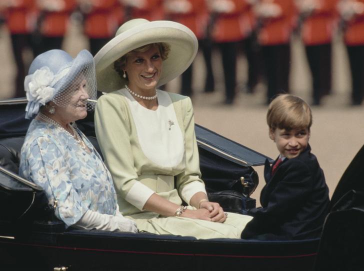 Фото №1 - Мудрость поколений: какой совет королевы-матери принц Уильям запомнил на всю жизнь