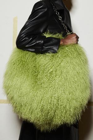 Фото №21 - Самые модные сумки осени и зимы 2021/22