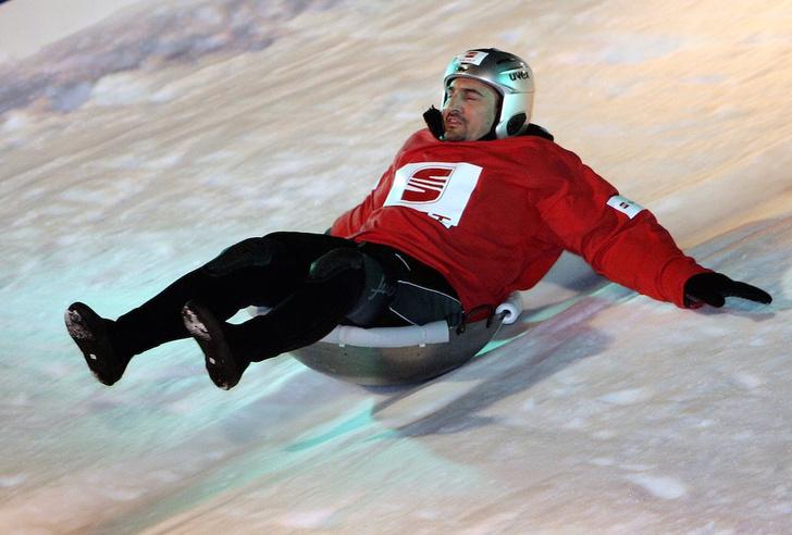 Фото №4 - Метла, сковородка и воздушный змей: 7 неожиданных зимних видов спорта