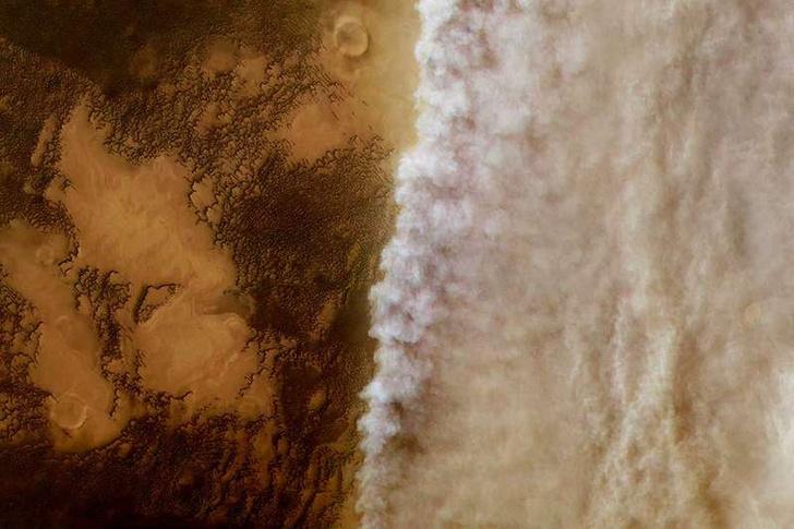 Фото №1 - Ученые объяснили, как с Марса исчезла вода