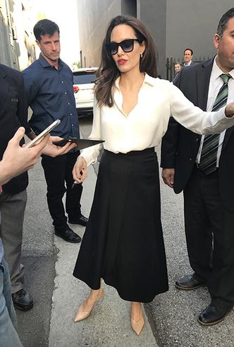Фото №25 - Почему Анджелина Джоли — снова икона стиля, или Что такое luxe purism