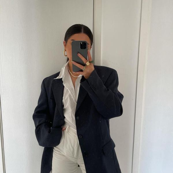 Фото №1 - Модный гайд: собираем базовый гардероб на осень 2021
