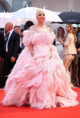 Фото №2 - Модная Венеция-2018: лучшие образы третьего дня кинофестиваля