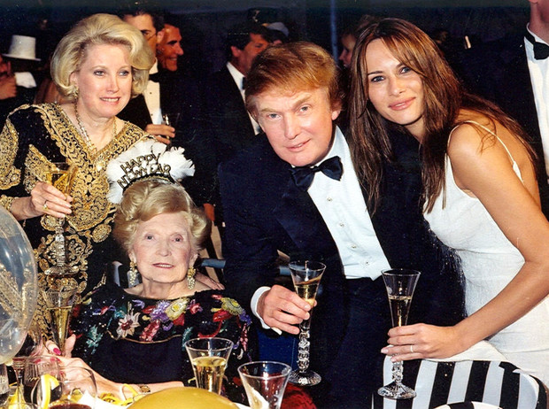 Фото №1 - Первое впечатление: как семья Дональда Трампа приняла Меланию