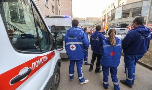 Фото №1 - Выпускникам медвузов разрешат работать врачами скорой помощи