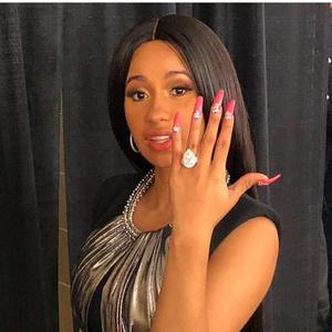 Фото №10 - Выходи за меня: самые красивые помолвочные кольца знаменитостей