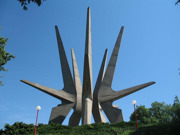Фото №6 - Памятники несбывшемуся будущему: 6 удивительных югославских монументов