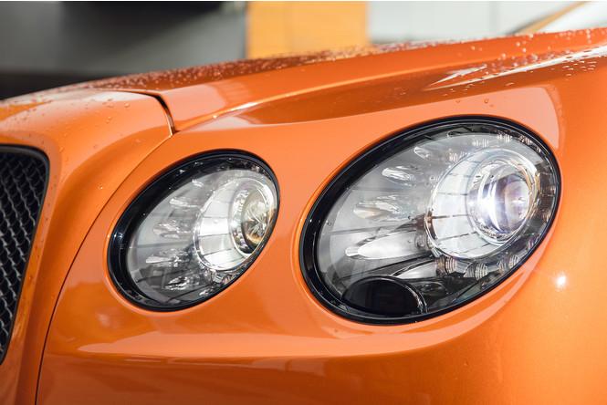 Фото №13 - Cамый быстрый четырехдверный Bentley в истории — Flying Spur W12 S