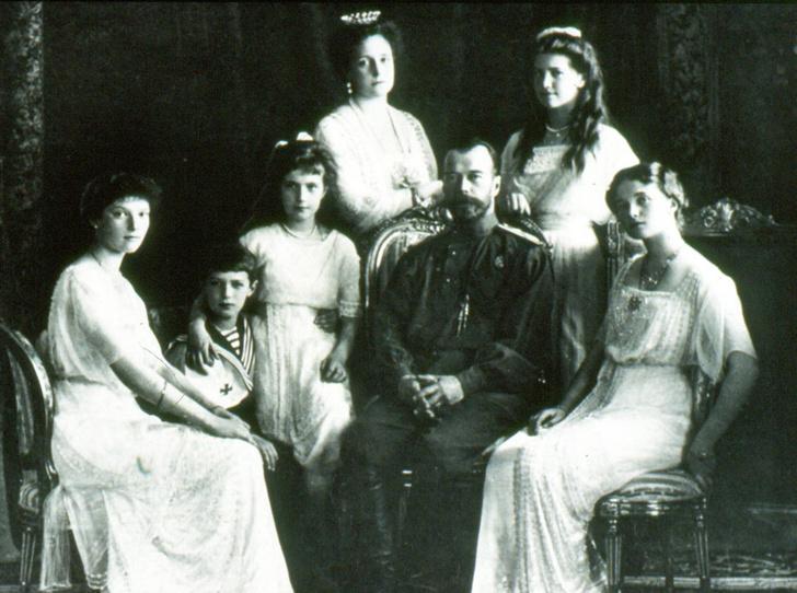 Фото №2 - Как выглядят современные потомки Романовых?