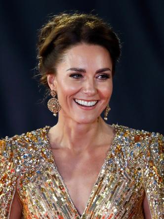 Фото №6 - Королевская особа с самой красивой улыбкой (спойлер— это не Кейт и не Меган)