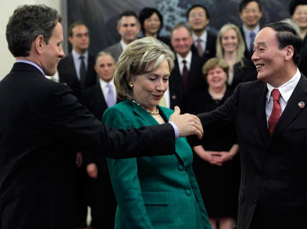 Фото №5 - Этот неловкий момент: конфузы на высшем уровне (в ролях – президенты, премьеры и первые леди)