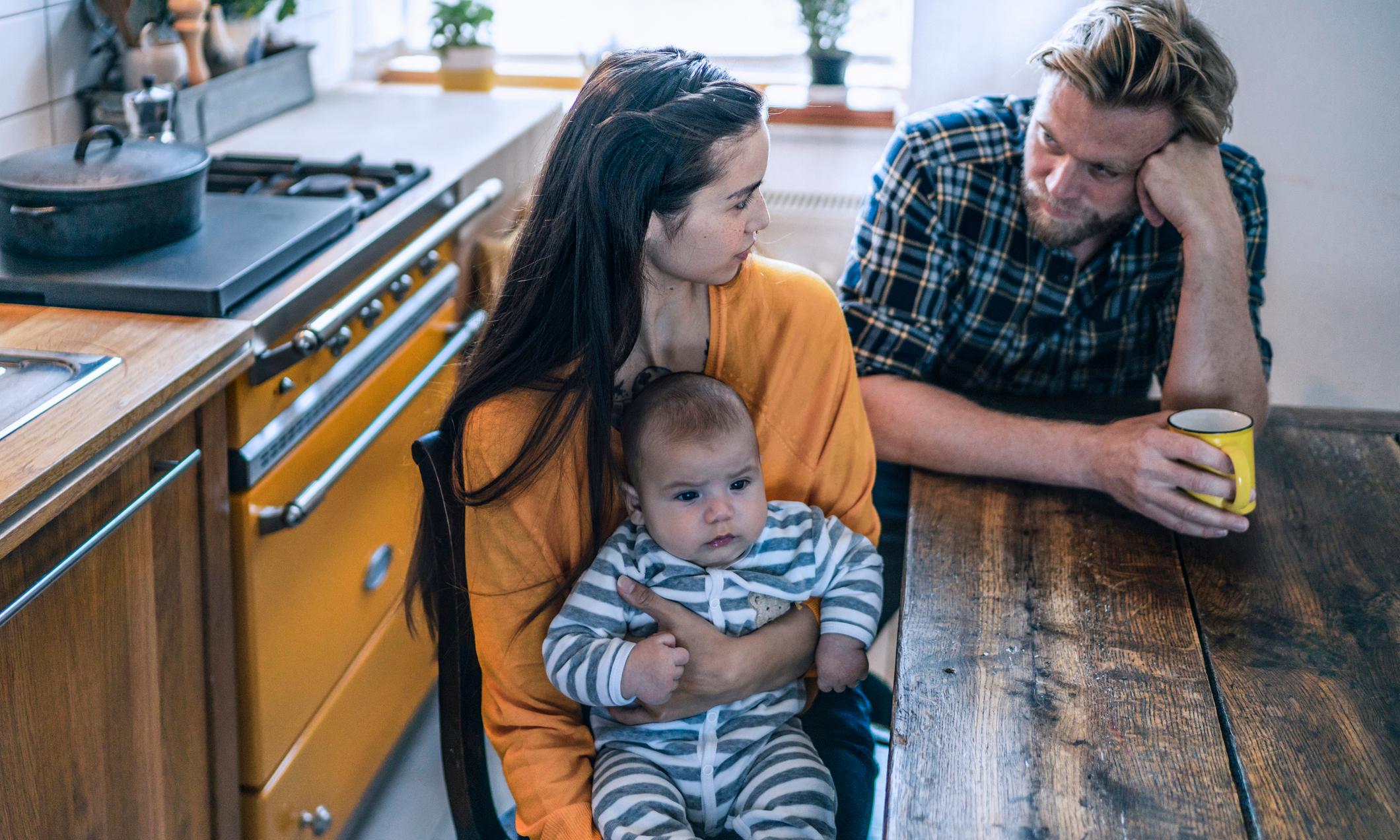 Психологи: гражданский брак разрушает отношения