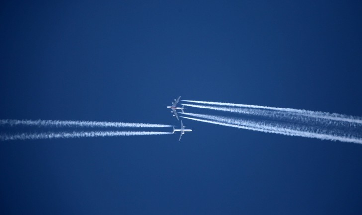 Фото №1 - Ученые предложили изменить высоту полетов авиалайнеров