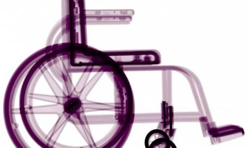 Фото №1 - Соцстрах сможет обеспечить креслами-колясками и памперсами всех нуждающихся петербуржцев