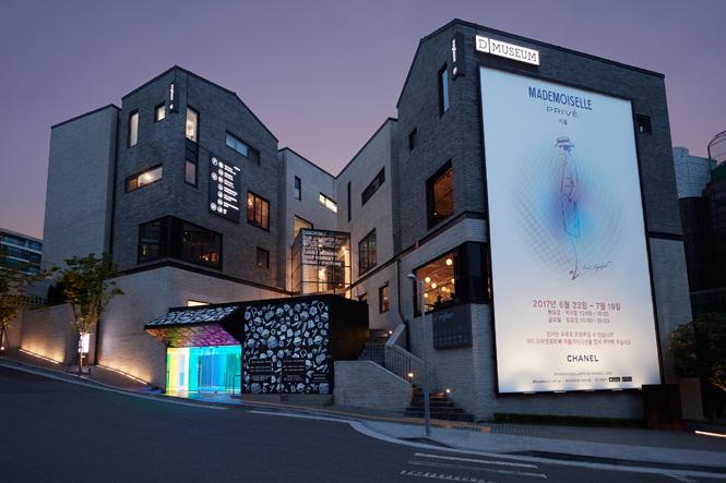 Фото №2 - Уроки истории: в Сеуле открылась выставка, посвященная Chanel