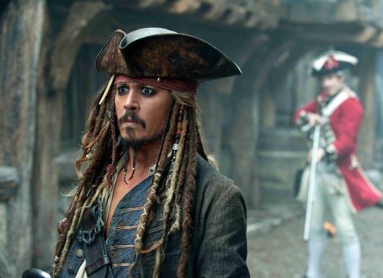 Фото №1 - От парикмахера до пирата: 9 лучших ролей Джонни Деппа