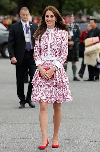 Фото №13 - Суровые уроки стиля, которые Кейт Миддлтон усвоила в браке с принцем Уильямом
