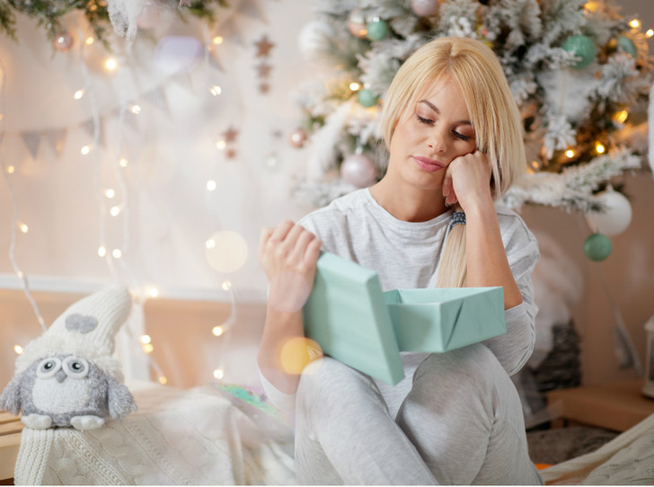 Фото №5 - «Плохие» подарки: что не стоит дарить согласно приметам и суевериям (и почему)