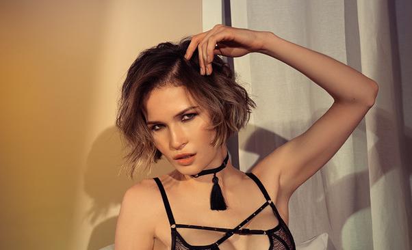Фото №38 - 10 жарких актрис сериалов— участниц нового рейтинга MAXIM «100 самых сексуальных женщин страны»
