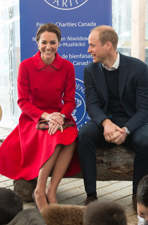 Фото №8 - 5 правил королевского этикета, которые нужно выучить Меган Маркл уже сейчас