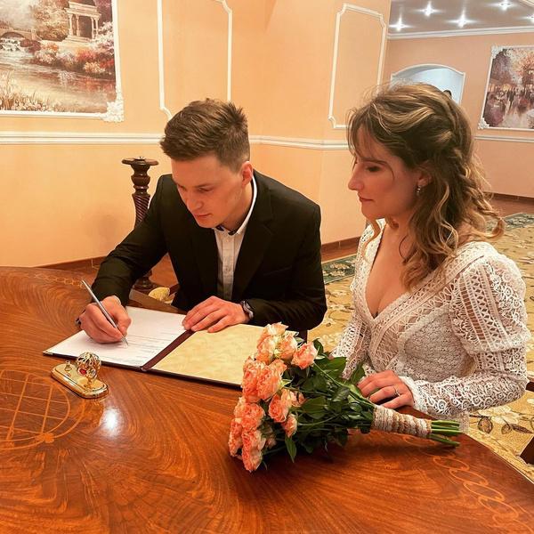 Фото №2 - Старшая дочь Ивана Охлобыстина вышла замуж и обвенчалась