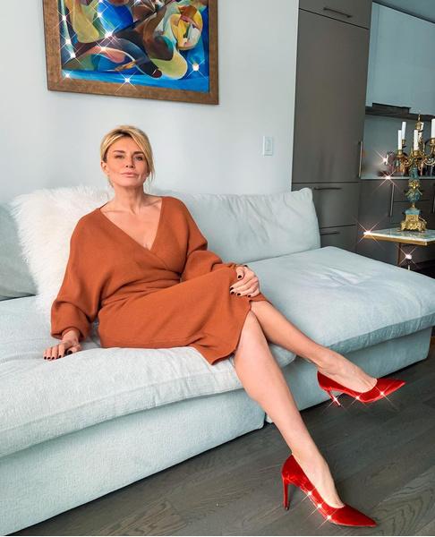 Фото №4 - Сменила офис на бикини: как живет подруга Жанны Фриске, которая была с ней до самой смерти