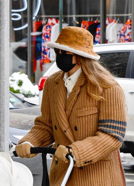 Фото №1 - Топ-5 зимних трендов: смотри, как носят селебрити