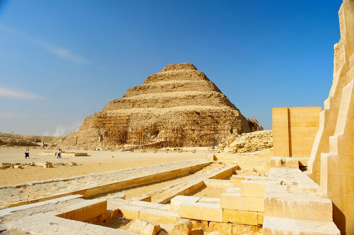 Фото №1 - Российские ученые обнаружили стену первой столицы Египта