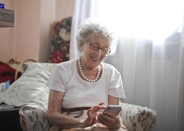 Фото №1 - Пенсионерка из Челябинска переиграла телефонных мошенников и сама выманила у них деньги
