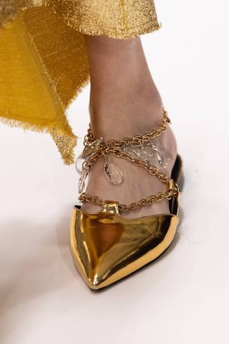 Фото №33 - Полный гид по самой модной обуви для весны и лета 2020