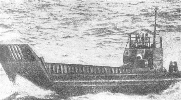Фото №2 - Как четыре советских солдата 49 дней выживали на дрейфовавшей в океане барже с трехдневным запасом еды