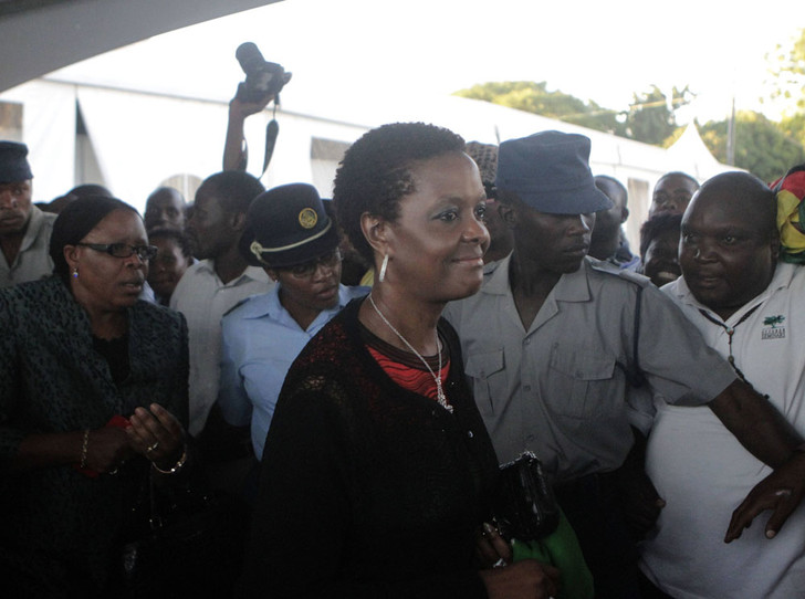 Фото №11 - Из первой леди в изгои: как Грейс Мугабе стала врагом своего народа