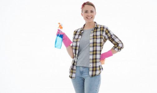 Фото №1 - Внимание на выключатели и дверные ручки: Как правильно наводить чистоту в доме в пандемию, рассказал Роспотребнадзор