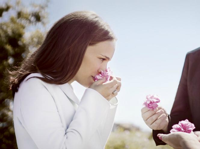 Фото №1 - Натали Портман и Франсуа Демаши на розовых полях Dior