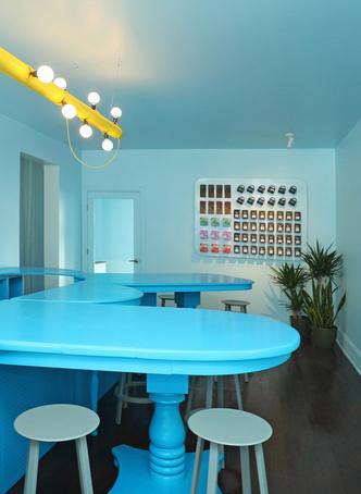 Фото №7 - Голубое кафе Tipico Coffee в Буффало