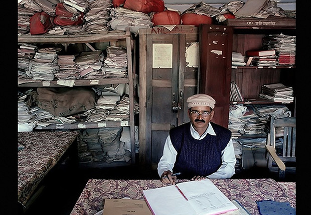 Фото №1 - Проходите, садитесь: кабинеты чиновников и служащих в разных странах